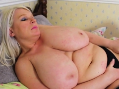 BBW Alice knows be that as it may to masturbate properly