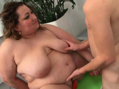 BBW picks up an young dude and rides his cock