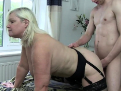 Connection deliver up brit granny gets pussy banged
